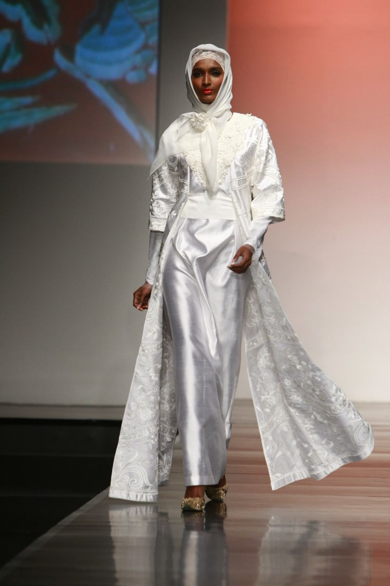 "Ronald V Gaghana ""Elements"", Jakarta Islamic Fashion Week 10"