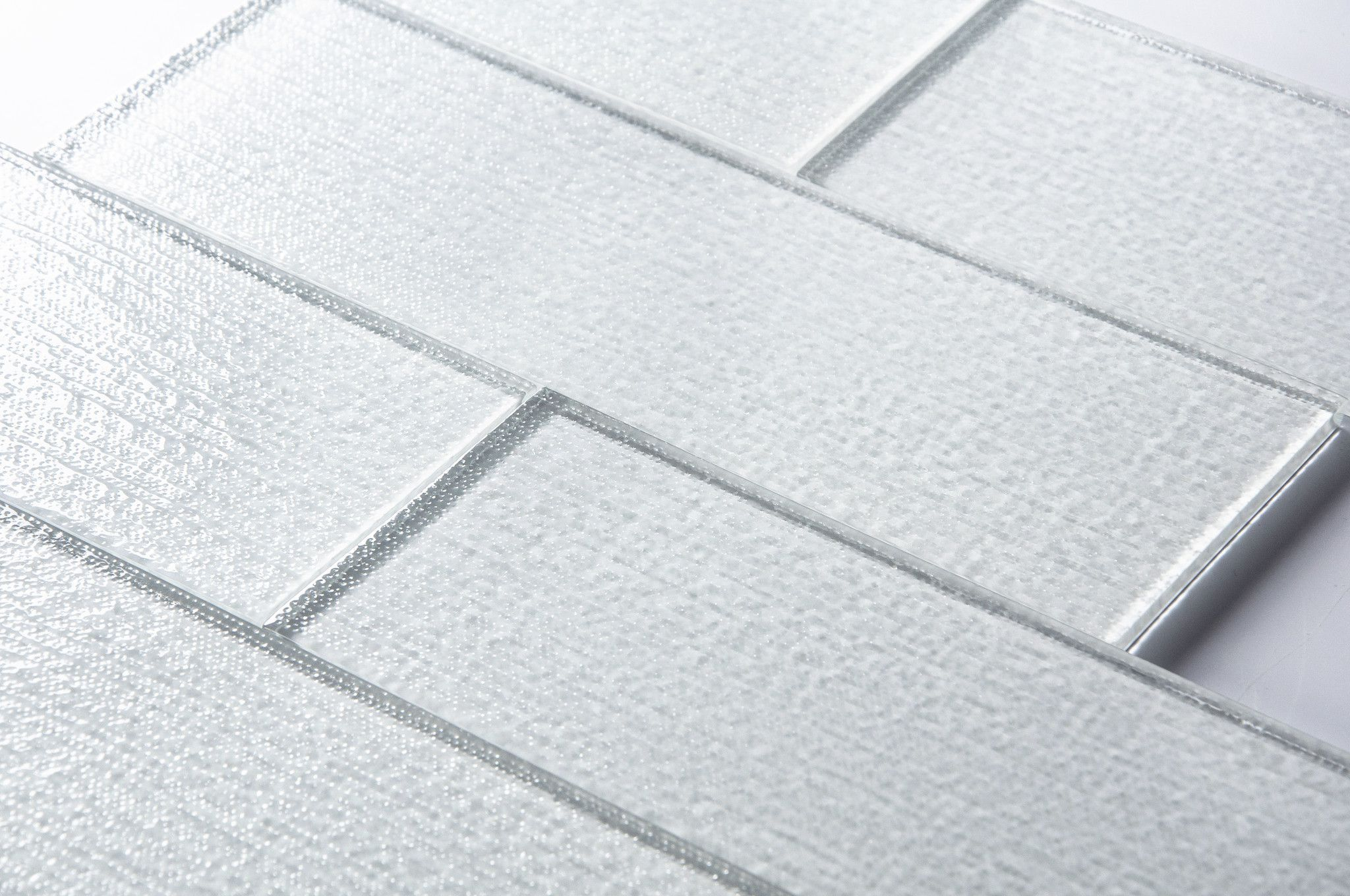 Linen Ice Block Glass Tile 4x12\