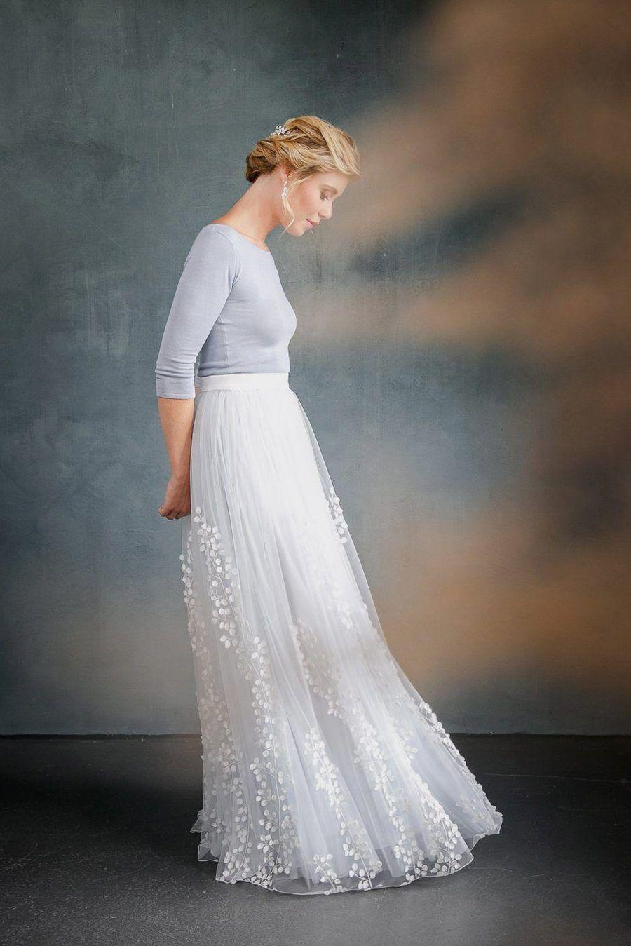 Abnehmbarer Braut Uberrock Mit 3d Blatter Tull Lillith In 2020 Braut Brautkleid Hochzeitskleid