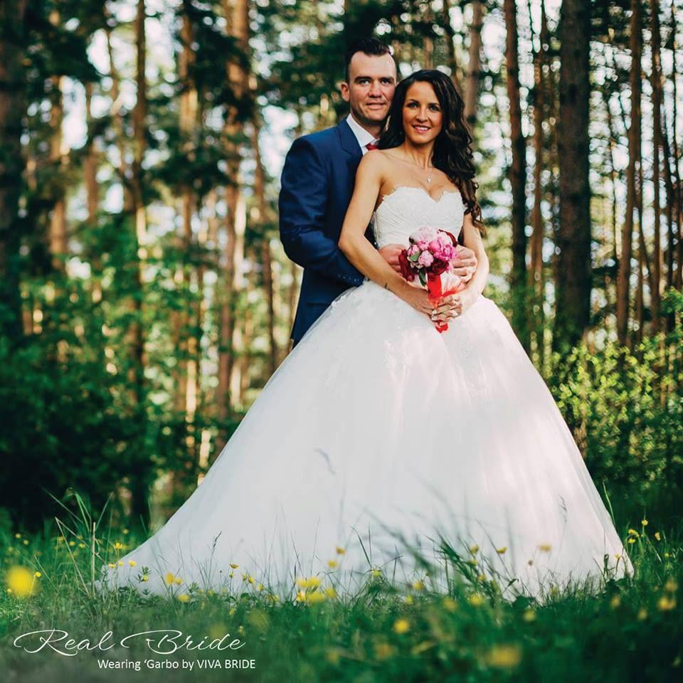 Real Brides Wed2b: Doesn't Annabella Look Sensational In 'Garbo' By Viva