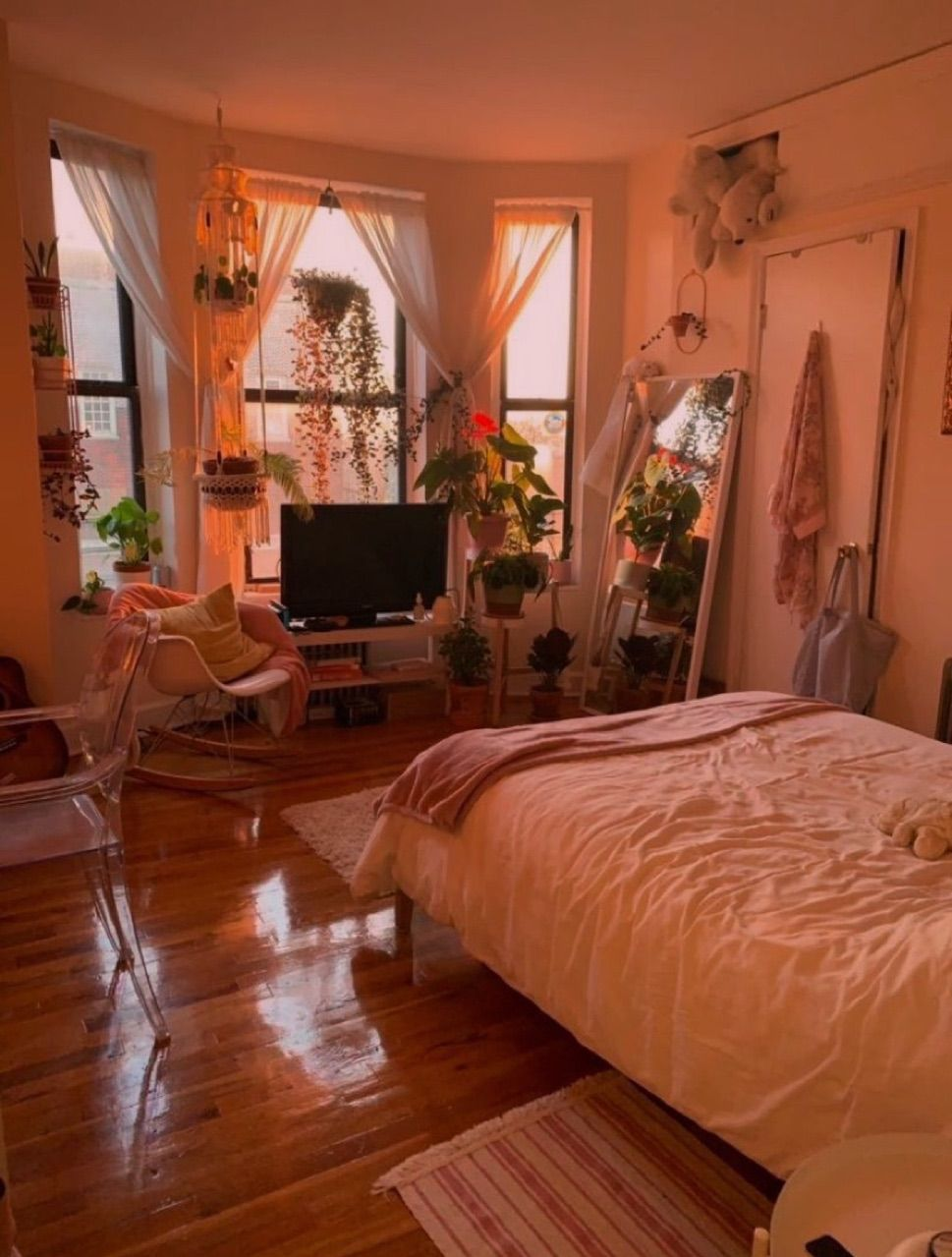 cottagecore bedroom - Google Search in 2020   College ...