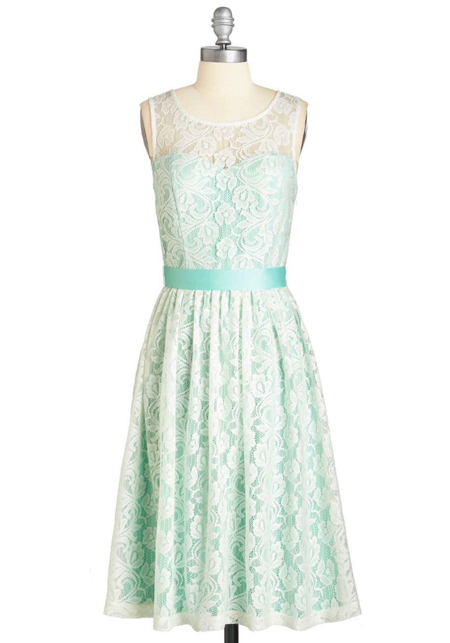 Lush with Beauty Dress in Garden | Lace, Pastel and Retro vintage ...