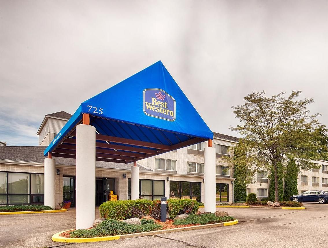Best Western Baraboo Inn Is A Por Choice Amongst Travelers In West Wi Whether Exploring Or Just Ping Through The Hotel Offers High