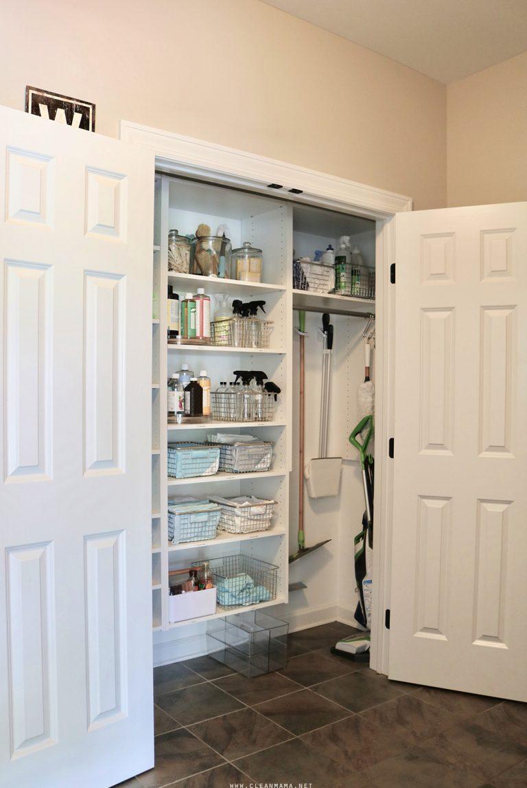 Organized Cleaning Supplies Storage Solutions For Your Products Cleaning Organized Products Schrank Solut In 2020 Putzmittel Organisieren Stauraum Putzschrank