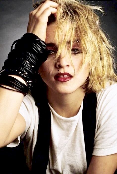 Pin By Amanda Phillips On My Never Ending Love Of Music Madonna Looks Madonna 80s Madonna Photos