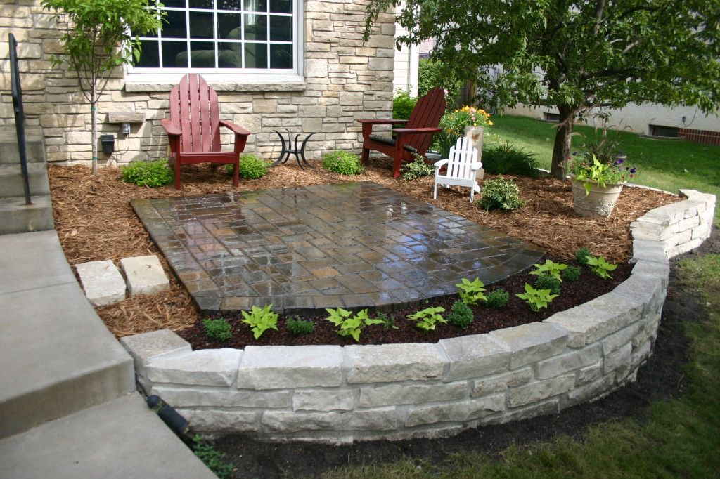 Front Yard Patio Design Pictures: Fond Du Lac Stone Retaining Wall With Full Mortar Joints