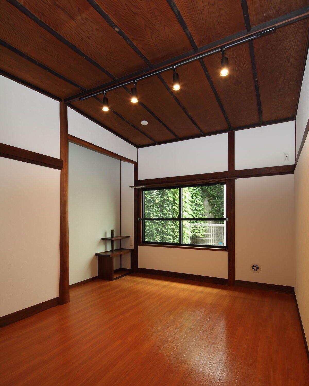 ミサワリフォーム株式会社 昭和モダンな和室 壁や天井の仕上げを
