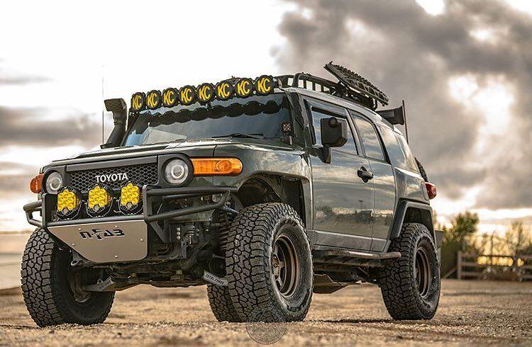 م جهز على اعلى مستوى منشن Toyotafj Toyota4x4 Toyota افجي اف جيه اف جي تويوتا Fjcruiser تطعيس تعدي Toyota Fj Cruiser Fj Cruiser Falken Tires