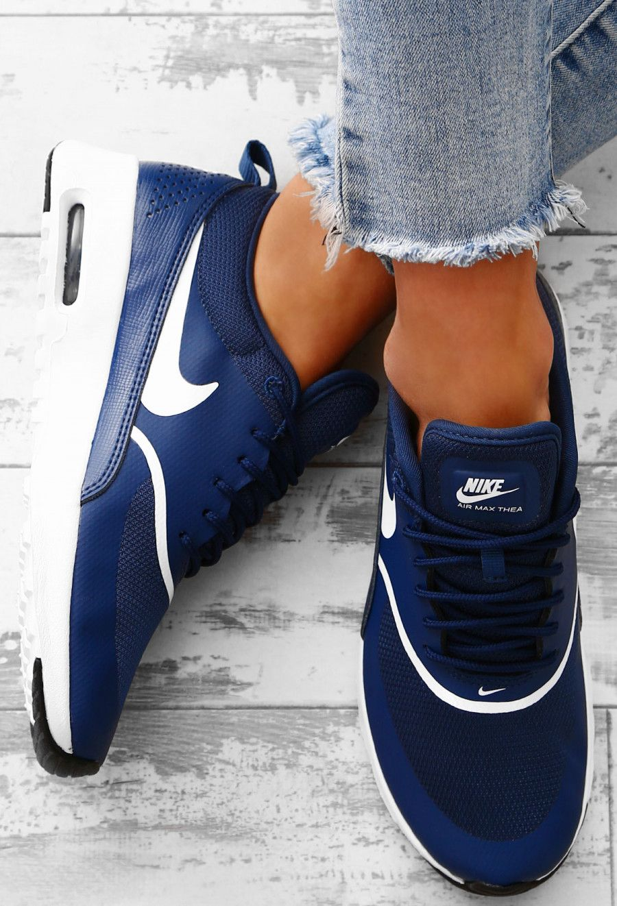 estoy enfermo Pedir prestado Campo de minas  Nike Air Max Thea Navy Trainers - UK 3 | Navy blue nike shoes ...