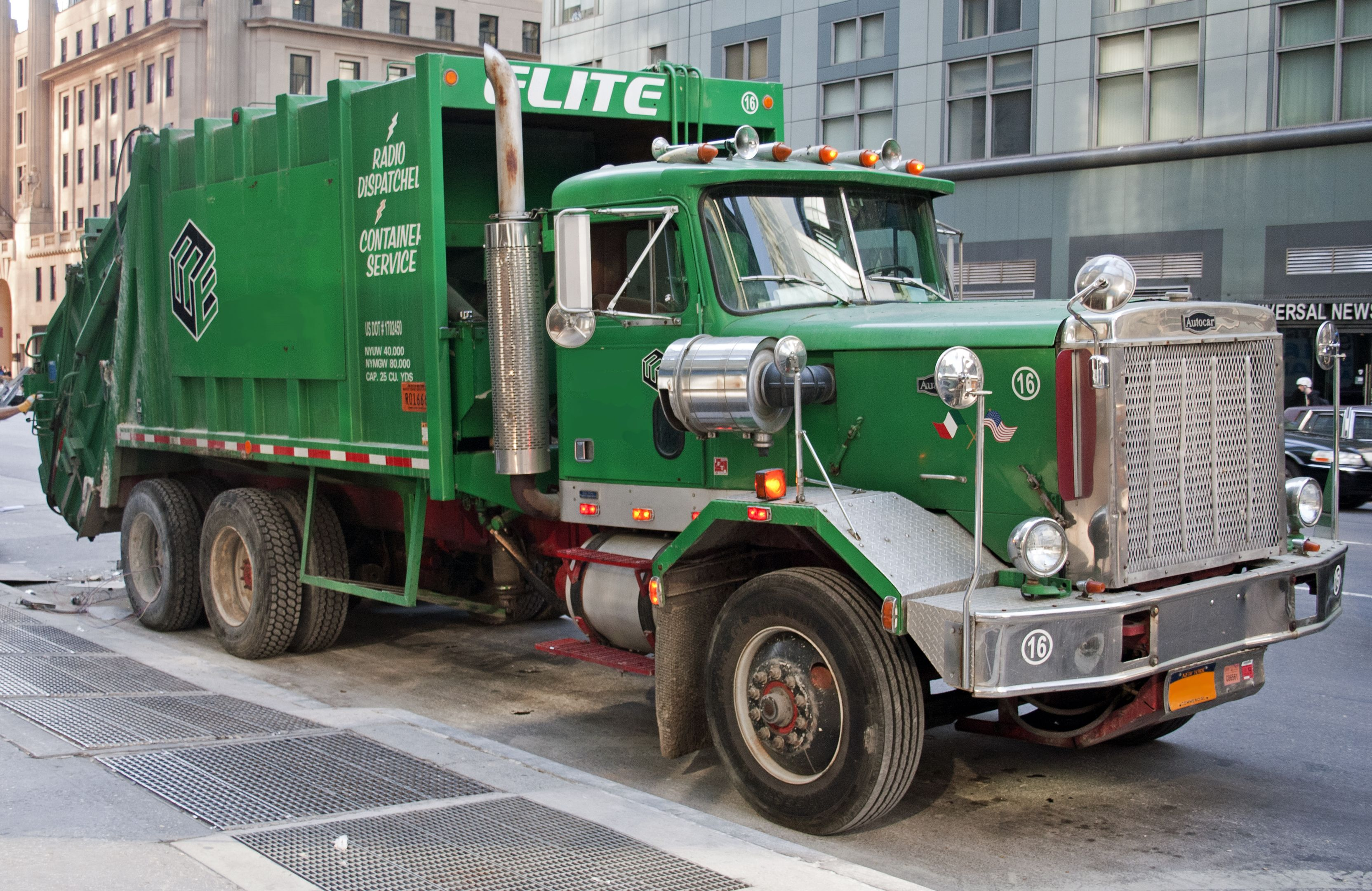hight resolution of autocar garbage truck