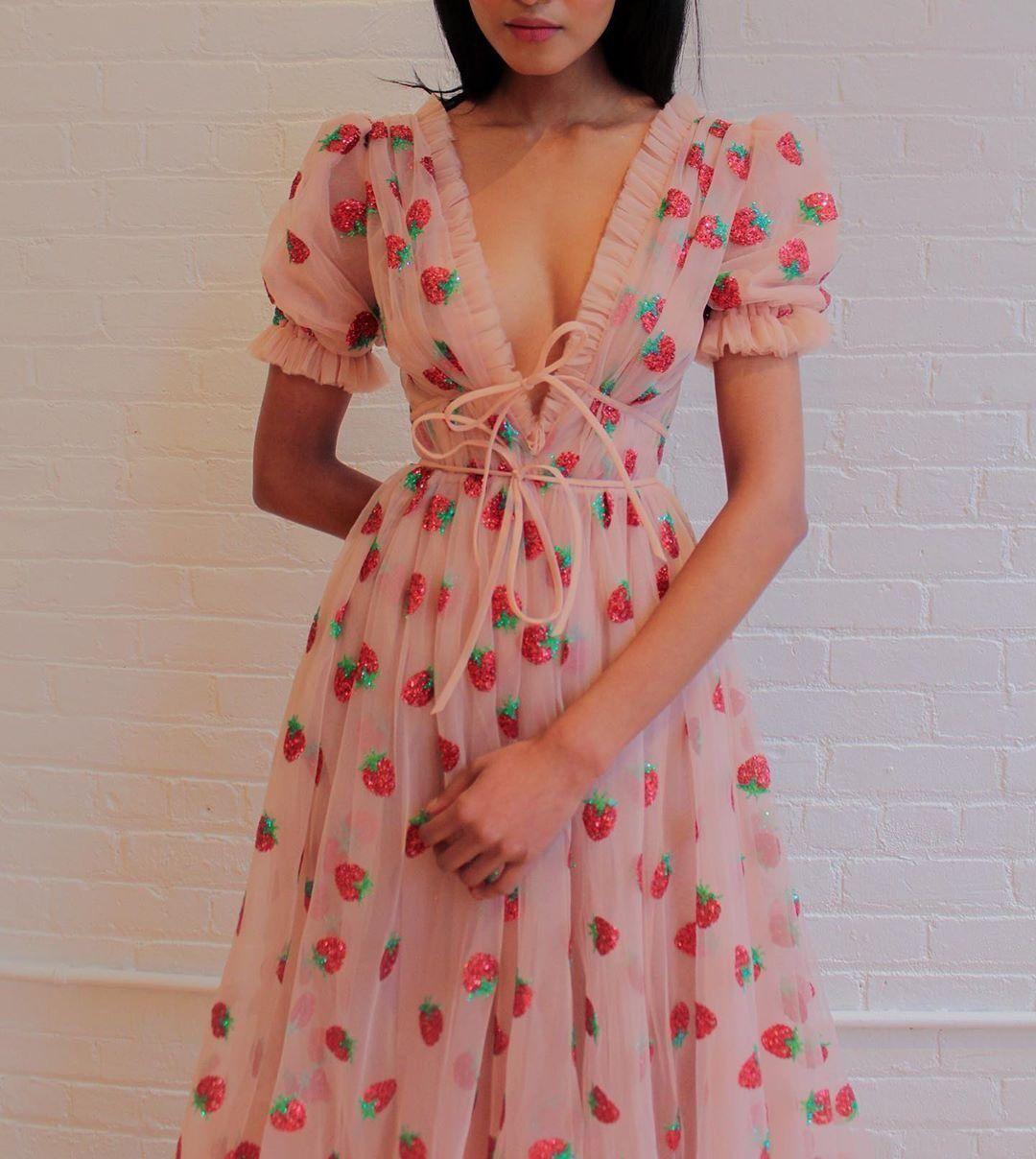 Katelyn On Twitter Fashion Pretty Dresses Dreamy Dress [ 1208 x 1080 Pixel ]