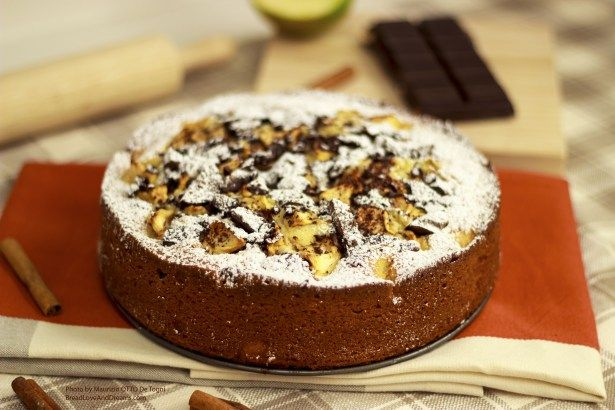 Apple Chocolate Cake