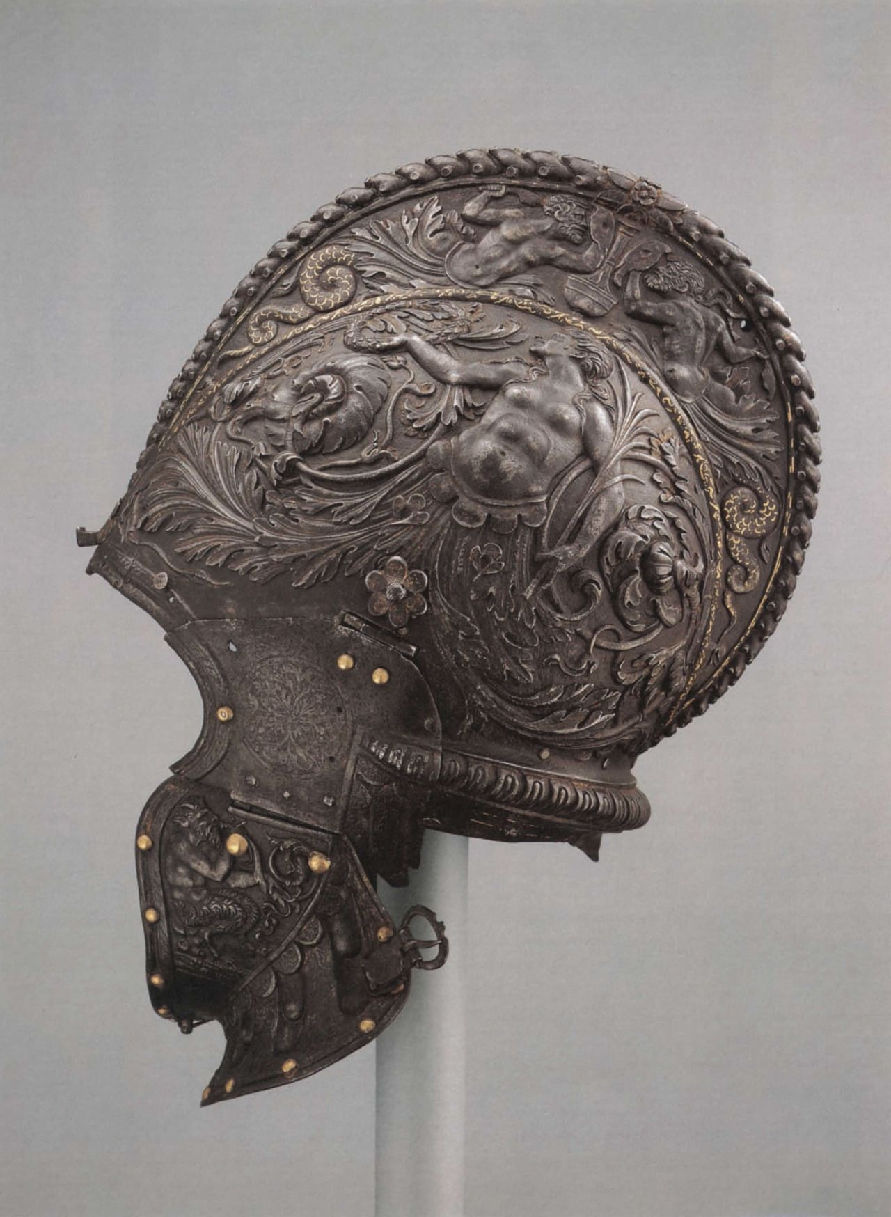 Milanese made burgonet from the mid-16th century. Visor is lost. (The MET)