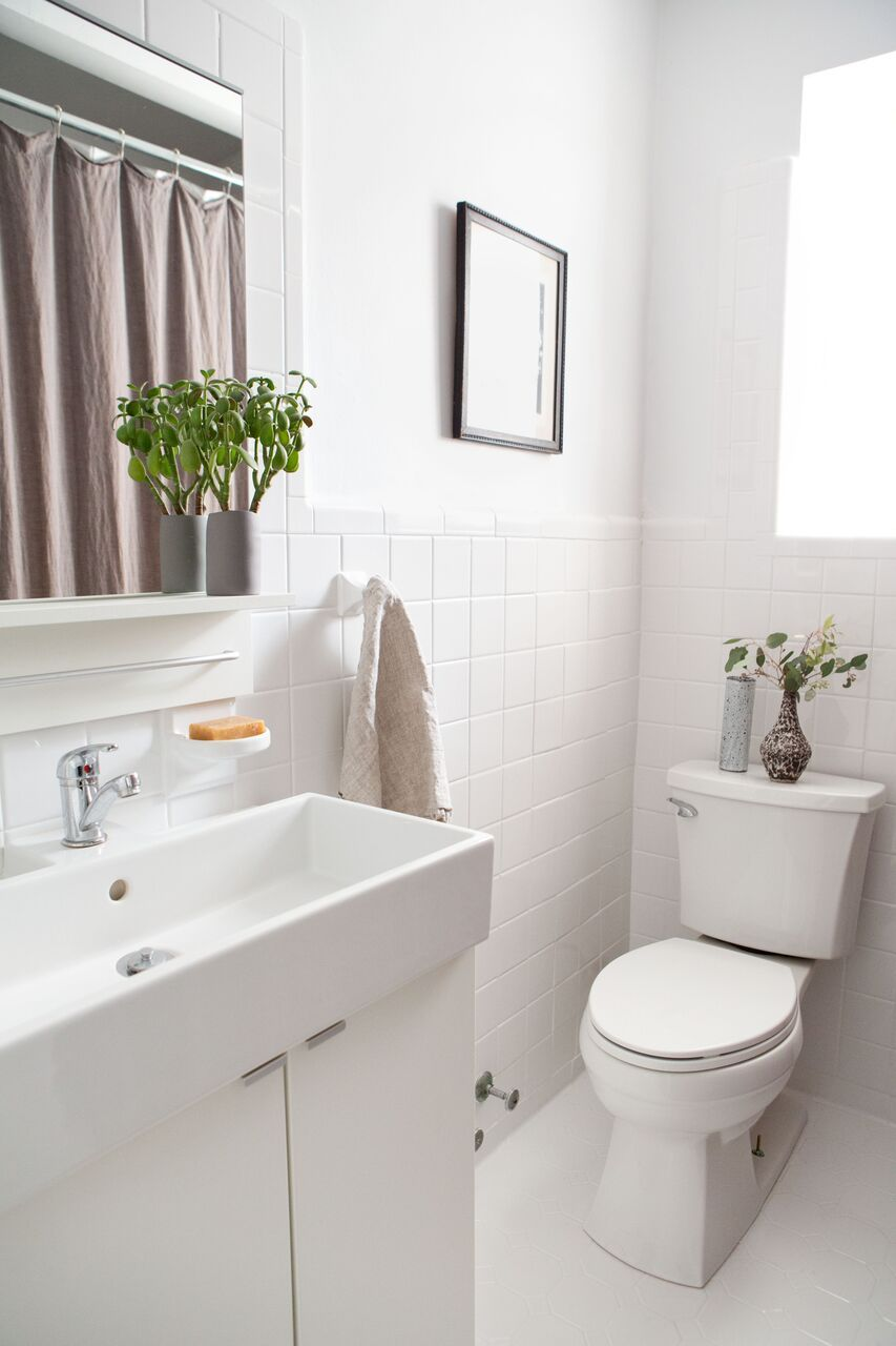 Before/After: A Perfectionist\'s $1,000 Bathroom Overhaul in Brooklyn ...