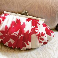 """Article on """"How to Make a Day-of Wedding Kit"""" - but I love this purse."""