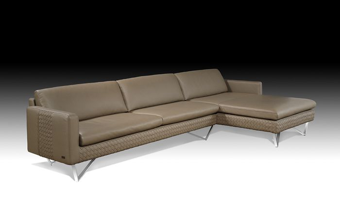 Kelvin Giormani Luxury Leather Sectional Just In At Crown Furniture West Springfield Ma This Is The Snello Iv And Absolutely Gorgeous