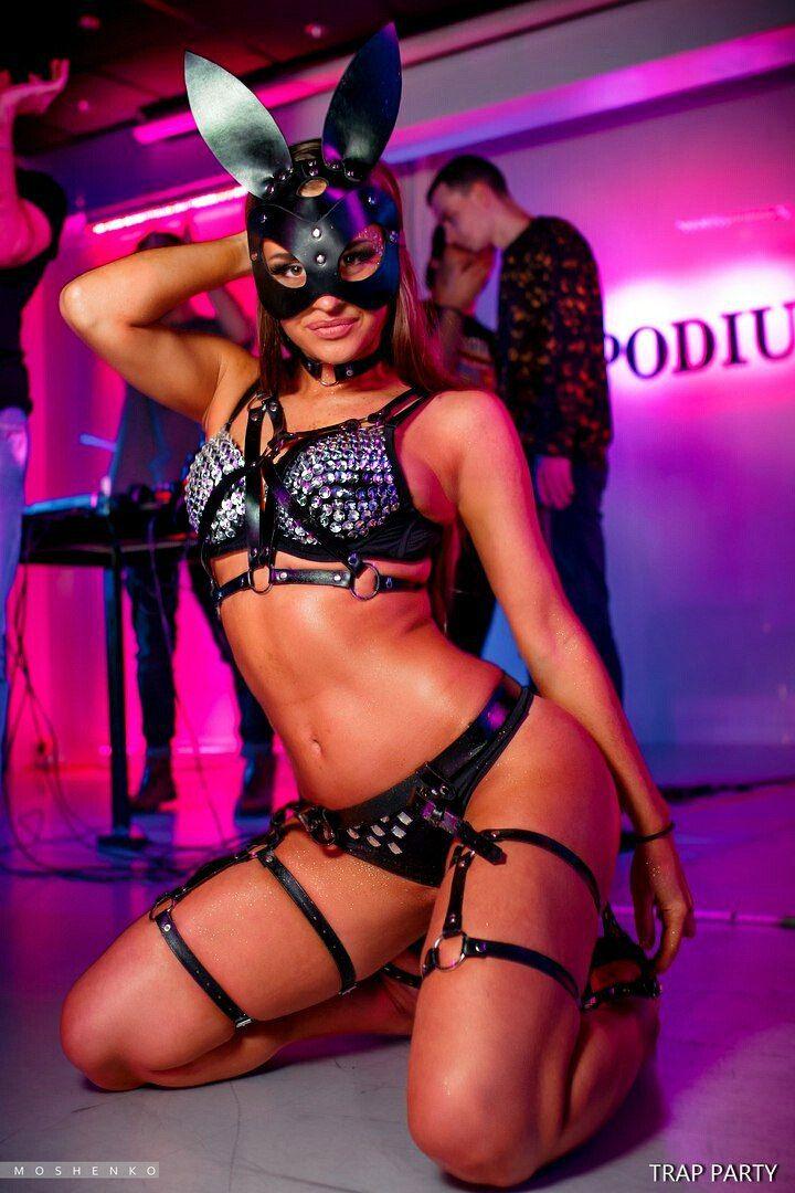 Стриптиз искусство эротического танца striptease the art of erotic dancing онлайн