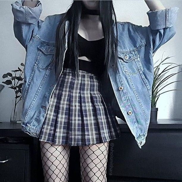 "ALTGIRL on Instagram: ""❤️ Follow @Mung.y For More Grunge Outfits and Ideas 👽  Tag @Mung.y To be featured 🌈 📱 Check Our FaceBook Page (link in the Bio) . . . . . .…"""
