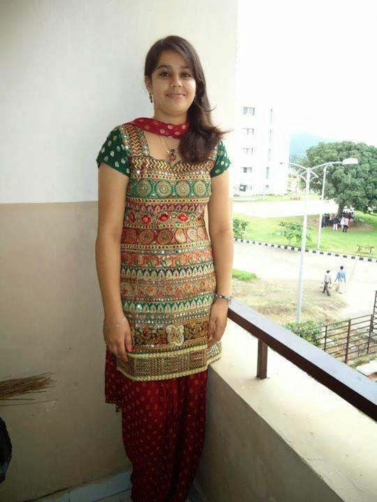 FACEBOOK WALLPAPERS Cute Indian Girls