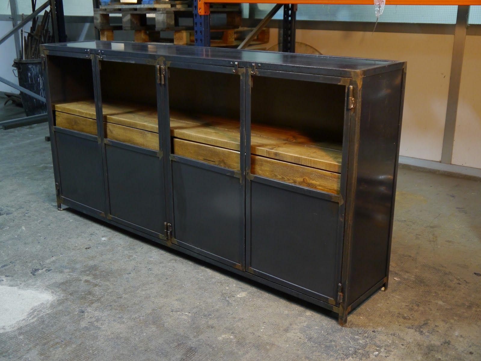 Mueble de hierro con acabado natural enegrecido con - Armarios de chapa ...