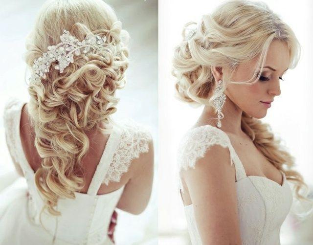 Braut haarschmuck halboffene haare  Lockige Haare weißer Haarschmuck mit Haarklammer befestigt ...