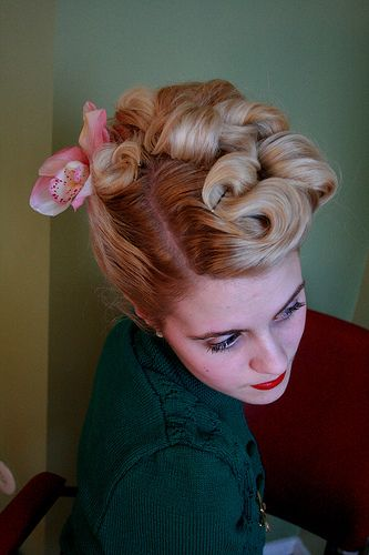 The 40 S Updo Hair Hair Styles 1940s Hairstyles