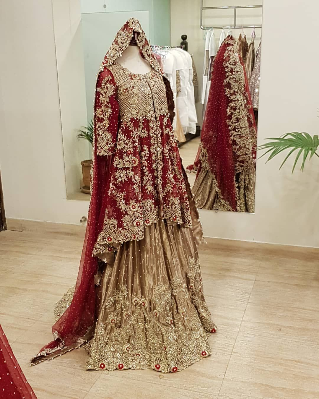 3 676 Likes 115 Comments Samsara Official Samsaracouturehouse On Instagram Omg The Red Bridal Dress Pakistani Bridal Wear Indian Bridal Dress [ 1350 x 1080 Pixel ]