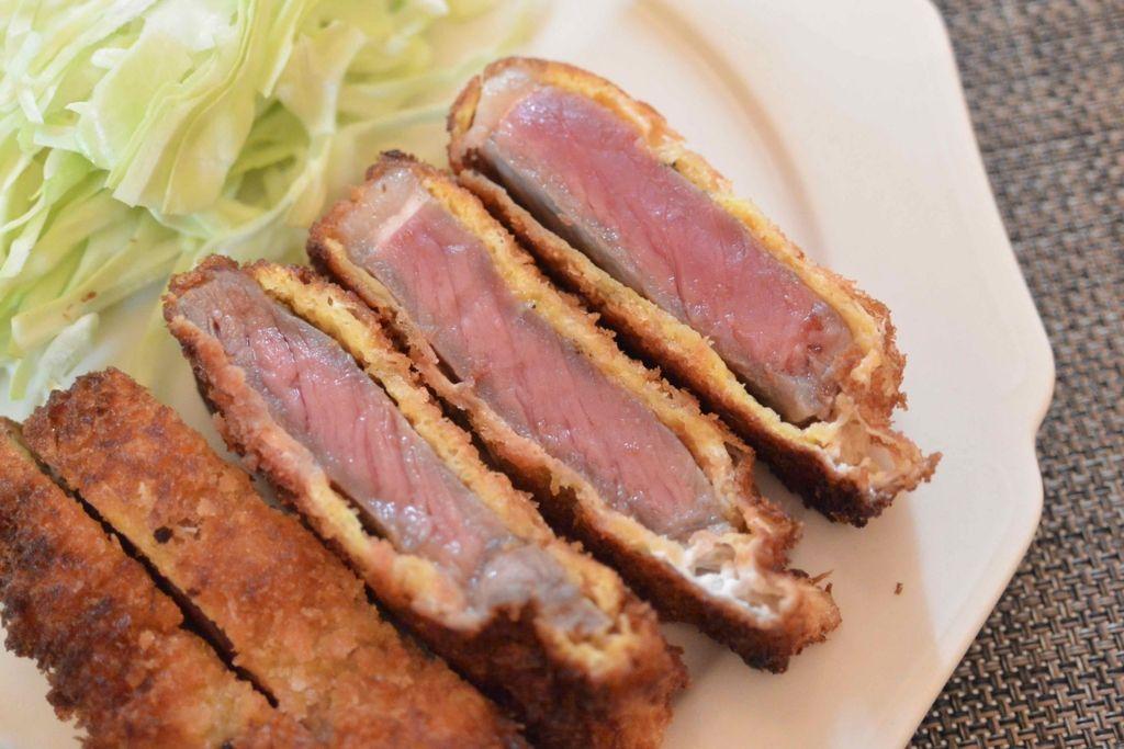 高いお肉じゃなくてOK!ミディアムレアでサックサクな牛カツの簡単激ウマレシピ