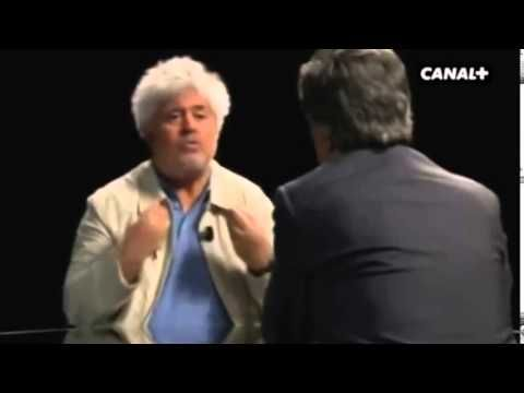 Entrevista con Pedro Almodóvar https://www.youtube.com/watch?v=5ijq8EZUBgE