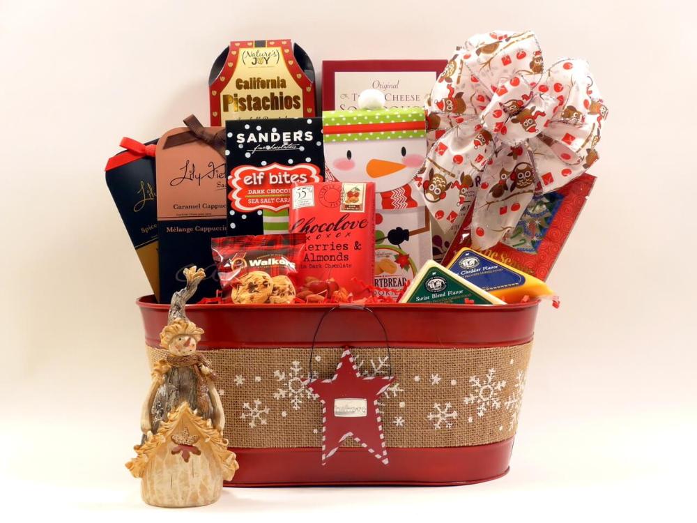 DIY Christmas Gift Baskets Ideas - #baskets #Christmas #DIY #Gift #Ideas #boyfriendgiftbasket DIY Christmas Gift Baskets Ideas - #baskets #Christmas #DIY #Gift #Ideas #boyfriendgiftbasket