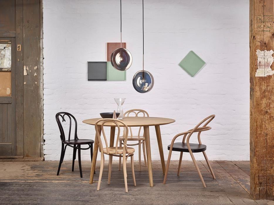 Tisch Malmo 707 Ton A S Von Menschen Gefertigte Stuhle Mit Bildern Esstisch Rund Holz Design Tisch Tisch
