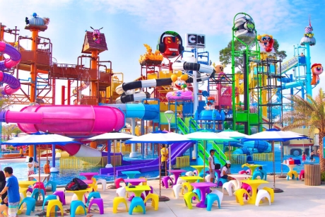 The Amazing Theme Parks And Water Parks In Thailand Water Park Theme Park Inflatable Water Park