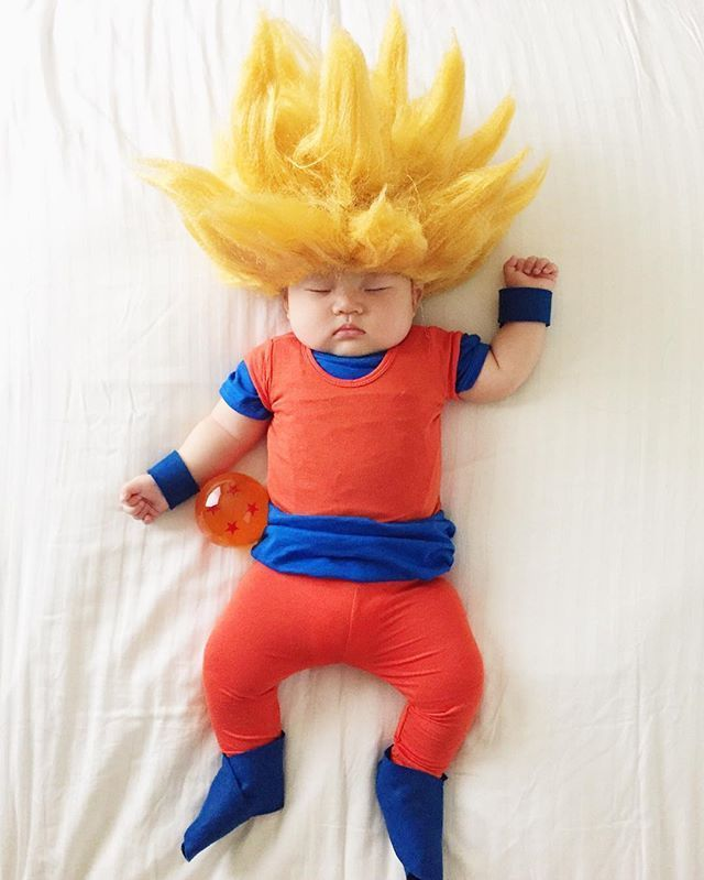 Pin For Later This Baby Gets Photographed Wearing An Incredible Costume Every Time She Naps Goku Dragon Ball Z Baby Cosplay Baby Costumes Cute Baby Costumes