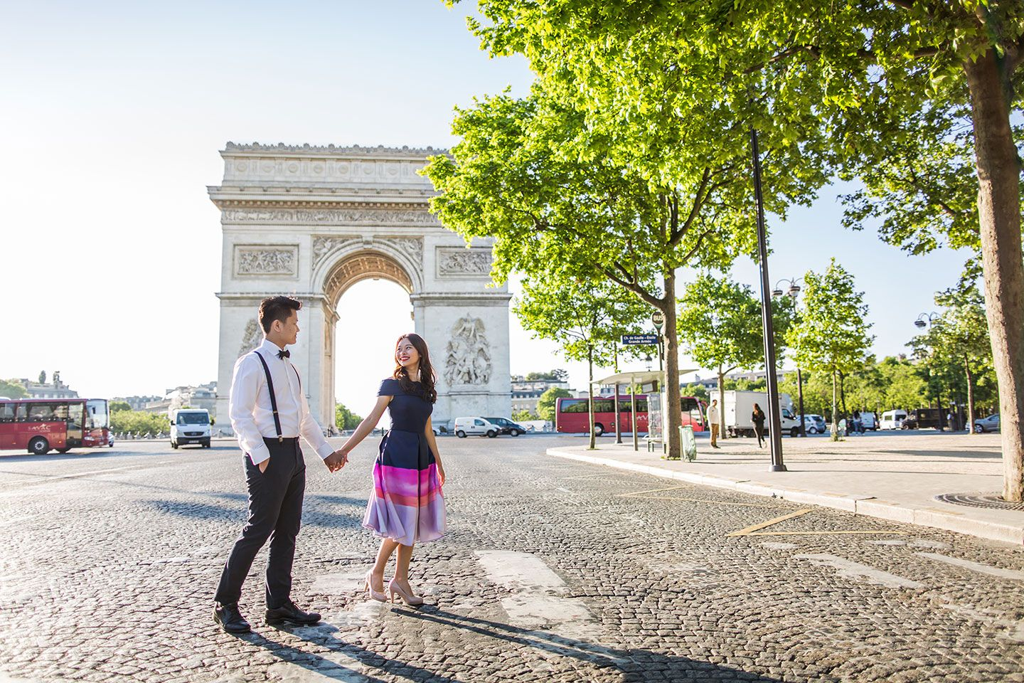 Pre wedding photography in Paris, France by prewedding photographer Dario Endara available in Paris, Amsterdam, Rome, Venice, Prague and other European cities