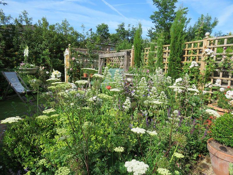 Small Garden Design In Warnham | The Lovely Garden | Small ...