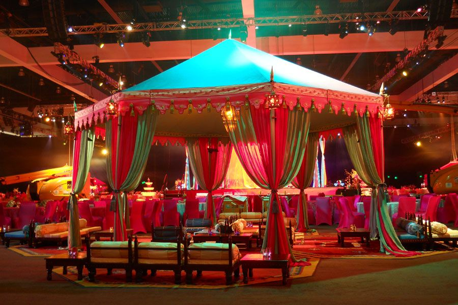 Grammy awards bollywood themed after party tents for Decoration annee 80