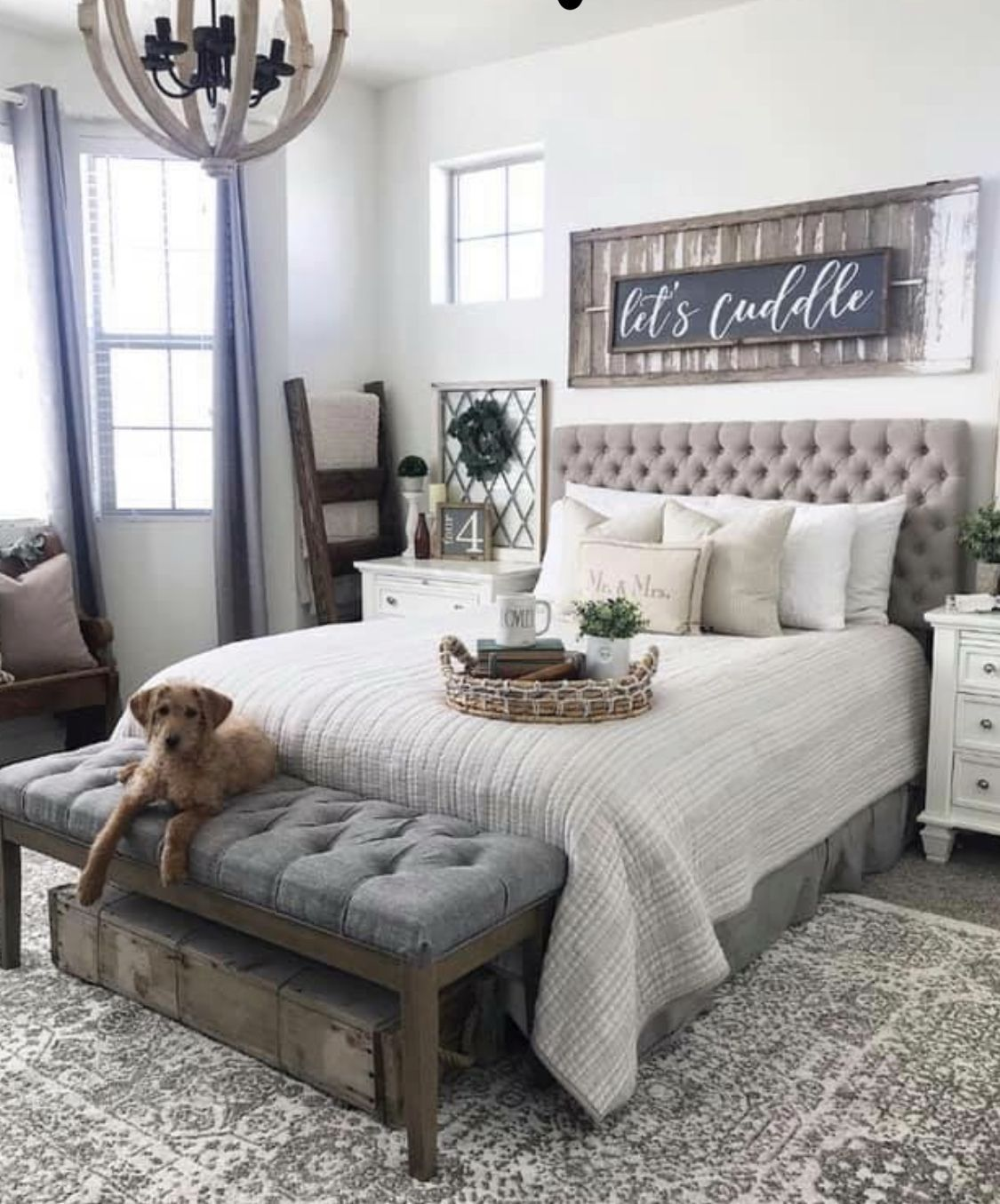 40 Gorgeous Small Master Bedroom Ideas In 2020 Decor Inspirations Rustic Master Bedroom Master Bedrooms Decor Modern Farmhouse Bedroom