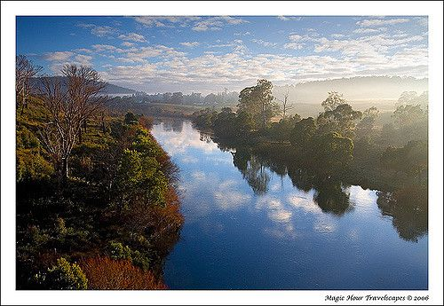 https://flic.kr/p/2uK7eA | Morning Mist | Esk River, Launceston, Tasmania  There is often low-lying mist in this valley. I waited for the…