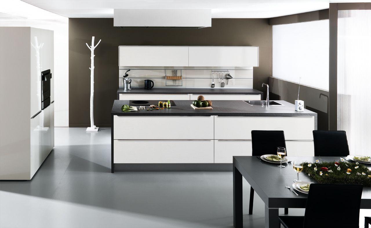 Eigentijdse design keuken model arcos met een strakke rvs