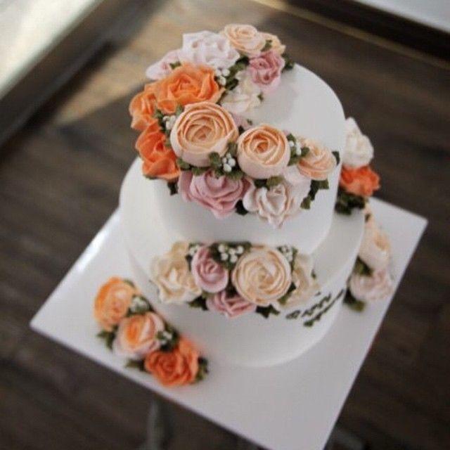 #이단케이크 #버터플라워 #버터크림케이크 #버터크림플라워  #튤립 #케이크 #플라워케이크 #butterflower #buttercreamcake #buttercreamflowercake  #tulipcake #flowercake #cake