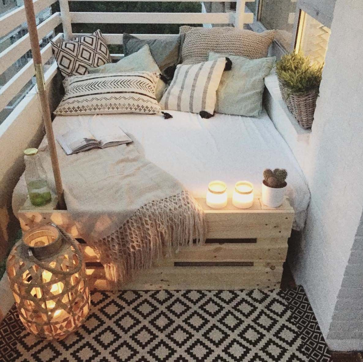 Balcony furniture small - 45 Fabulous Ideas For Spring Decor On Your Balcony