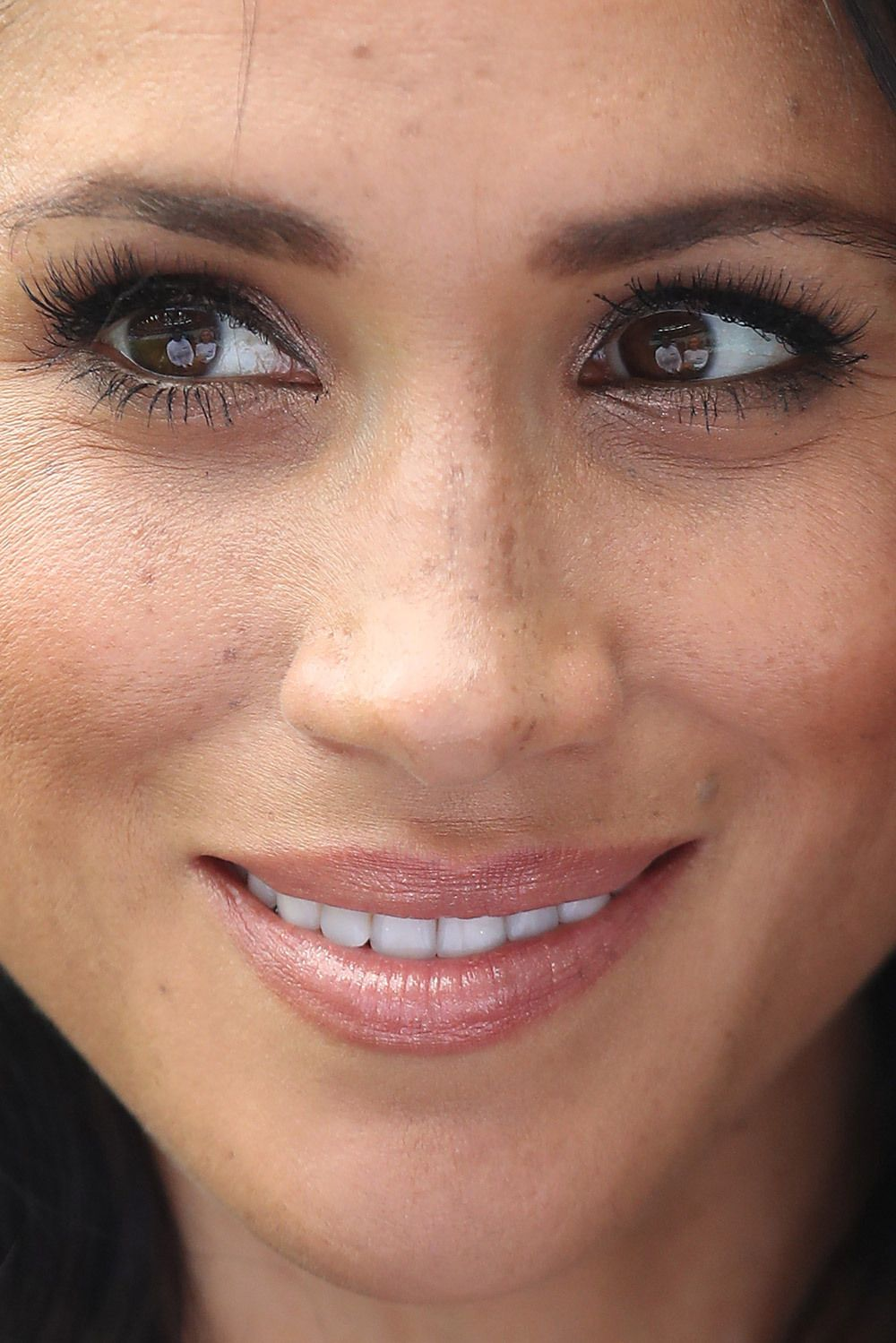 fb4b5371d20 Celebrity Close-Up: Seeing celeb faces this close can surprising ...