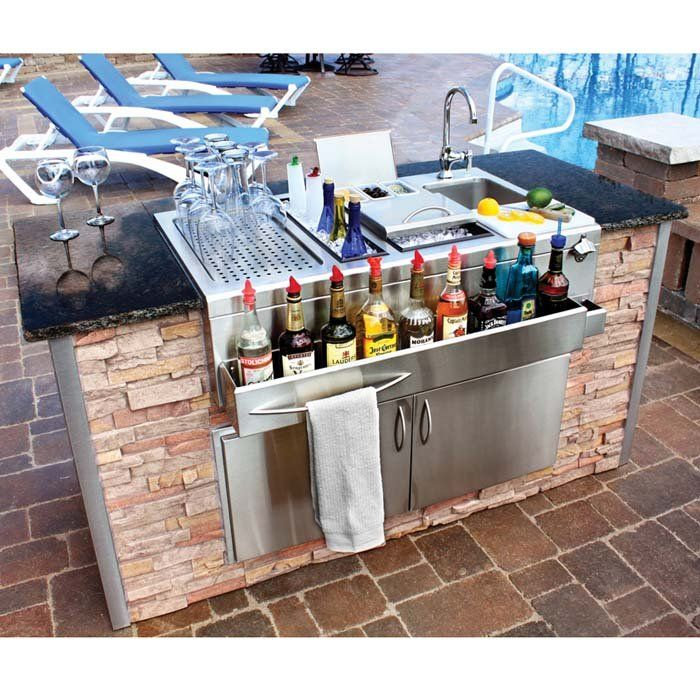 9 Outdoor Patio Kitchens For Party Perfect Entertaining: Built-In Cocktail Station And Sink For Wet Bar With