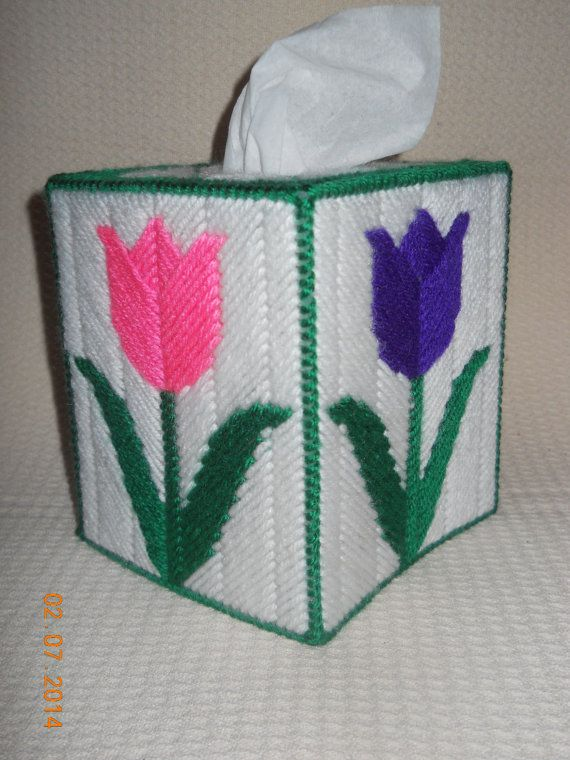 Tulip tissue box cover in plastic canvas by spydercrafts for Tissue box cover craft