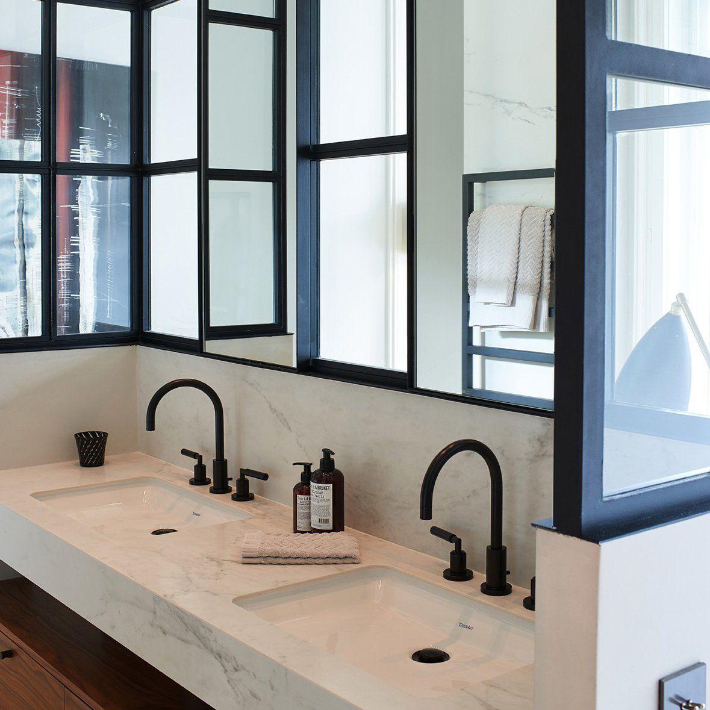 un appartement haussmannien inspir par le bauhaus salle. Black Bedroom Furniture Sets. Home Design Ideas