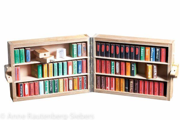 Bibel Bücherregal