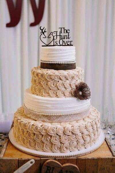 The Hunt Is Over Deer And Doe Wedding Cake Wedding Hochzeit