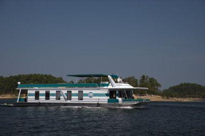 Hill S Lake Escape At Brady Mountain Resort Houseboat