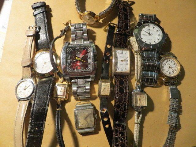 Konvolut Armbanduhren 10 Uhren, Damenuhren Herrenuhren von Art Deco bis modernsparen25.com , sparen25.de , sparen25.info