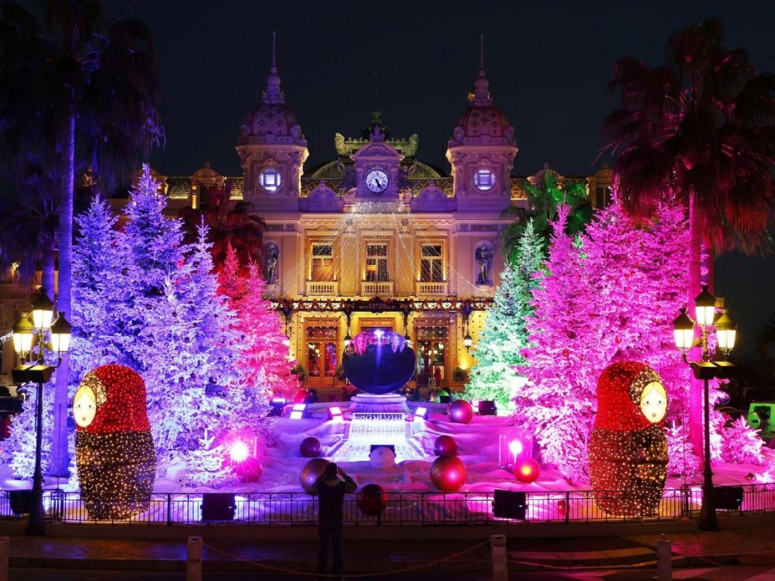 10 Best Holiday Light Displays In The U S Cool Christmas Trees Holiday Lights Display Old Time Christmas